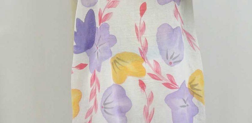 10040綿と麻の混紡花柄ワンピースパープル